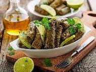Постни лозови сарми с лозови листа, леща, ориз и картофи
